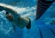 Cosa Mangiare e cosa Evitare prima di fare nuoto