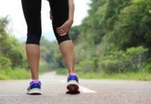 Gambe pesanti: cause, sintomi e possibili cure naturali