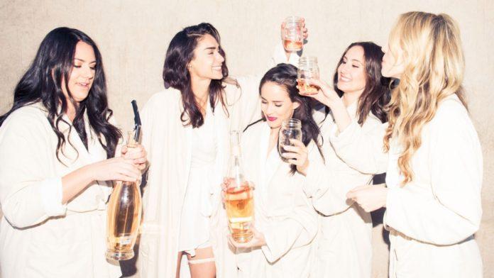 Addio a Nubilato: idee su come organizzarlo al meglio per l'amica che si sposa