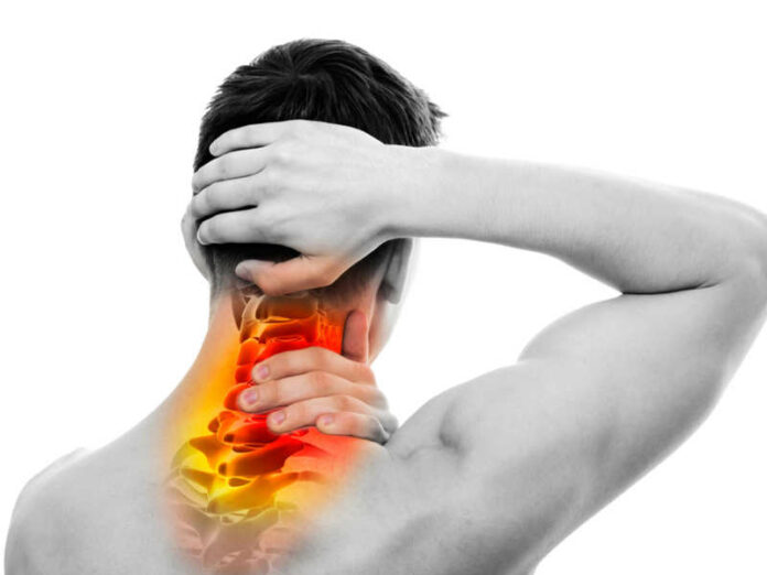 Cervicale: che cos'è, sintomi ed esercizi per alleviare l'infiammazione