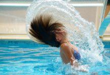 Come proteggere i capelli dai danni del cloro: trattamenti naturali da eseguire