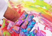 Come rimuovere e pulire le macchie di vernice da oggetti e capi d'abbigliamento